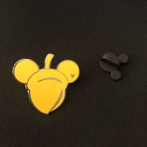 Disney pin Mickey golden acorn hidden Mickey